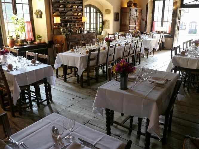 hostelleriedeperougesrestaurant.jpg