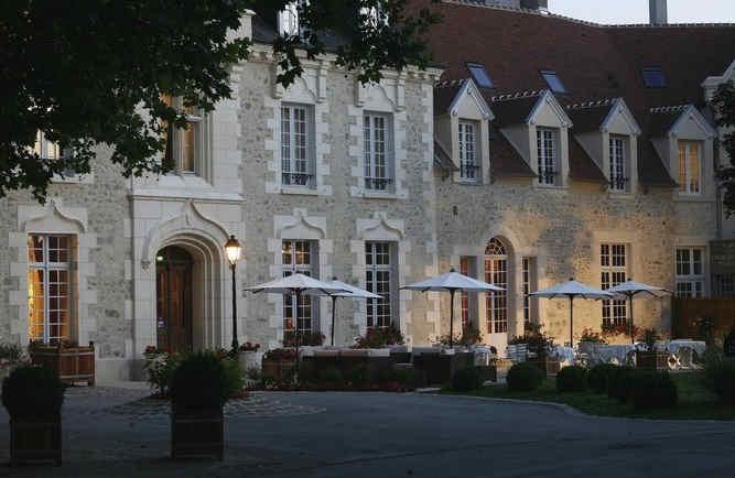 chateau-de-fere-terrasse.jpg