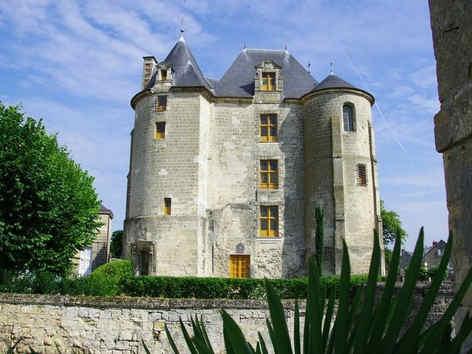 chateau-de-vic-sur-aisnes-le-donjon.jpg