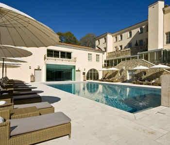 couvent-des-minimes-hotelspa-piscine.jpg