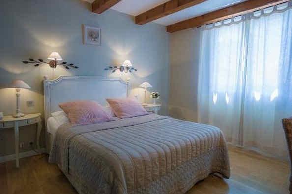 le-pres-saint-michel-manosque-chambre-2.