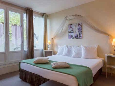 hotel-medieval-rochemaure-hebergement-2_