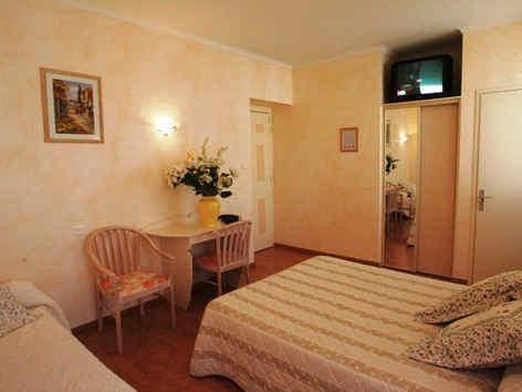 hotel-muret-seguyer-chambre-2.jpg