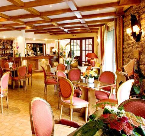 les-bartavelles-hotel-et-spa-embrun-bar.