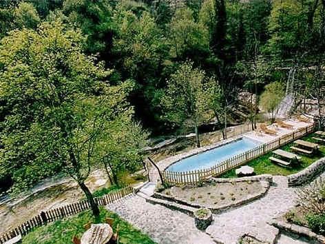 hotel-les-3-sources-piscine.jpg