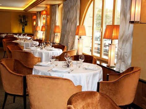 les-grandes-marches-paris-tables_4032.jp