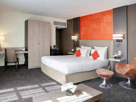 hotel-de-la-poste-and-spa-troyes-chambre