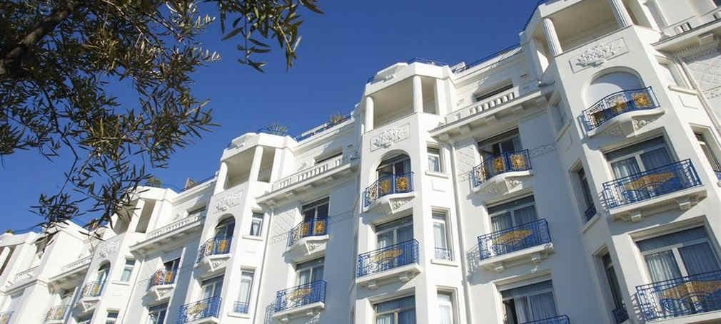 hotel-martinez-cannes-facade-2.jpg