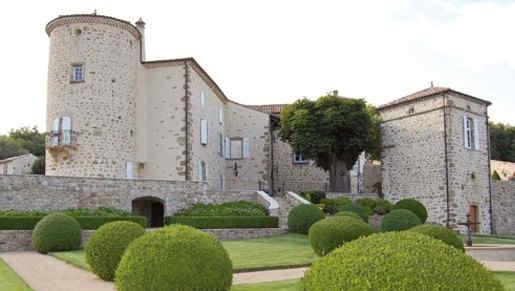 chateau-de-cachard-boffres-facade.jpg