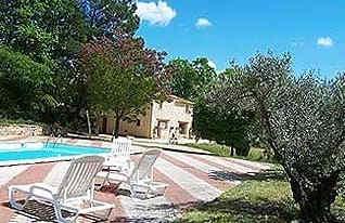 domaine-la-chapelle-forcalquier-piscine.