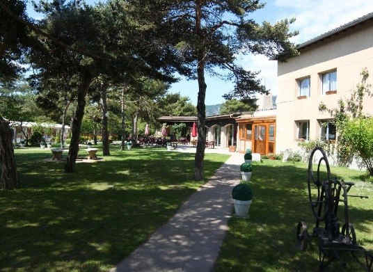 hotel-le-lac-embrun-jardin_7245.jpg