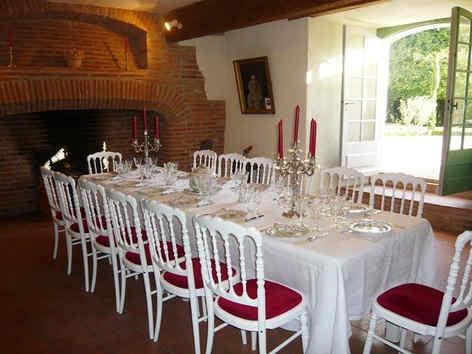 chateau-de-bonnac-table.jpg