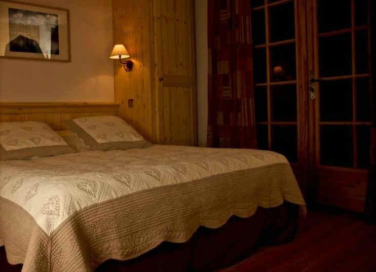 montana-chalet-hotel-le-sauze-chambre-2.