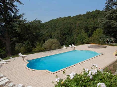 chateau-d-urbilhac-lamastre-piscine.jpg