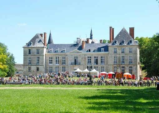 chateau-de-thugny-exterieur.jpg