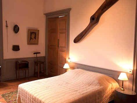 chateau-d-ars-sur-formans-chambre-presti