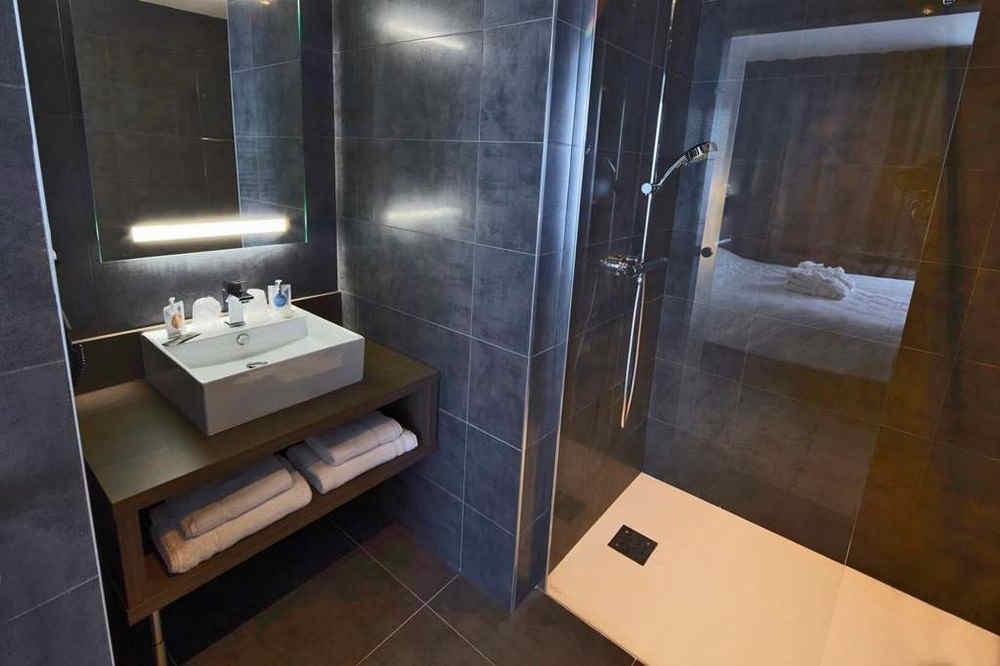 kyriad-troyes-centre-salle-de-bain-2_882