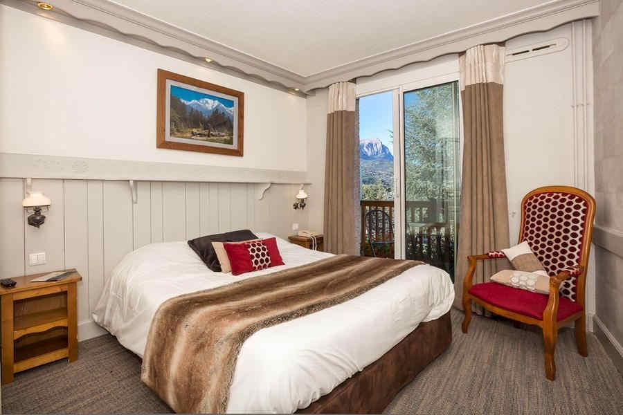 les-bartavelles-hotel-et-spa-chambre_472