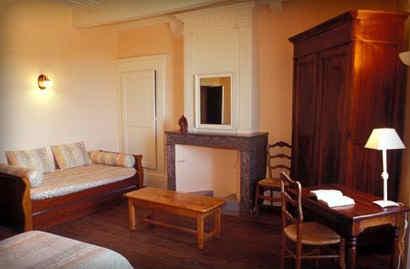 chateau-de-liviers-lyas-chambre-hortensi