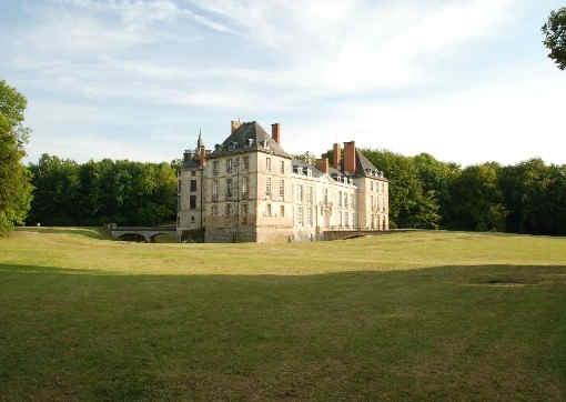 chateau-de-thugny-exterieur-2.jpg