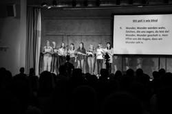 Ein Chor lädt zum Mitsingen ein
