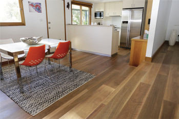 spottet-gum-matte-my-timber-flooring-gos