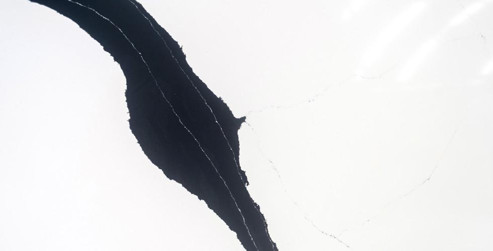 Ferrara-Black-(6).jpg