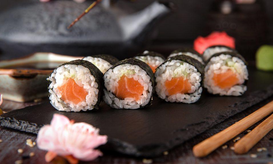 Présentation maki saumon