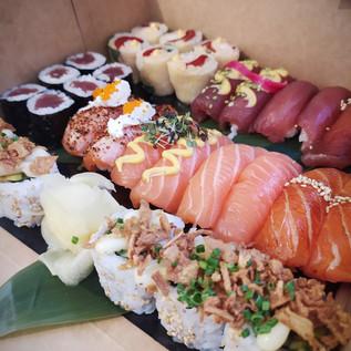 Plateau de présentation sushis