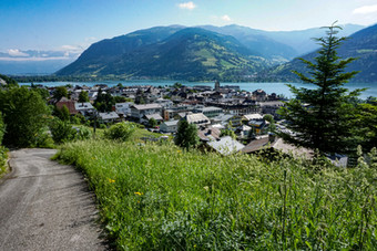 Zell am See: Turquoise Lake Nestled in the Alps