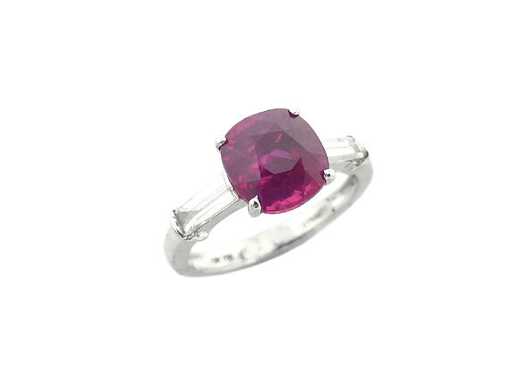 18KW Ruby Diamond Ring