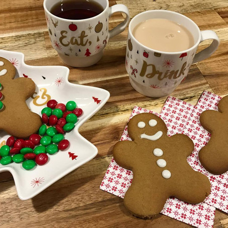 GINGERBREAD, TEA & CHRISTMAS