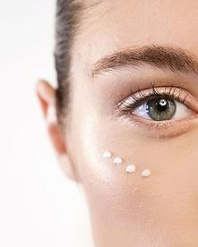 How-to-Reduce-Eye-Wrinkles-with-Eye-Crea