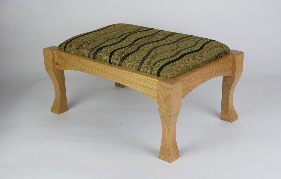 Traditional in Oak with Green and Tan Curves Top