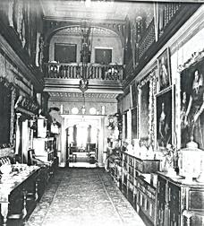 Abney Hall corridor.png