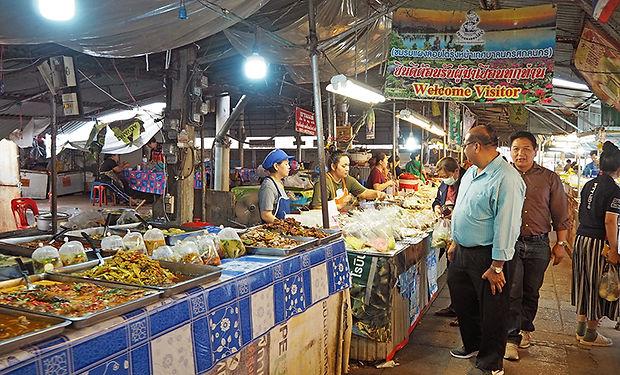 タイ,サコンナコーン,サゴンナコーン,ノーンハーン,ターレー,地図,観光,旅行,行き方,キリスト教,黒い鶏,ベトナム,タイルー,プーパーン,สกลนคร,ท่าแร่,星祭り,古い町並み,プラタートチューンチュム,ナイトマーケット