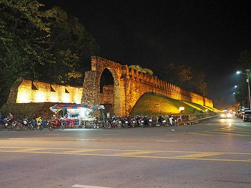 ,นครนครศรีธรรมราช,วัดพระมหาธาตุ,แผนที่,ที่เที่ยว,ナコンシータンマラート,観光,タイ,南部,ナンタルン,影絵,ワットプラマハータート,歴史,行き方,地図,ドゥアンシップ祭り,アユタヤ,山田長政,伝統,文化,シータンマソカラート,城壁,กำแพงเมืองเก่า