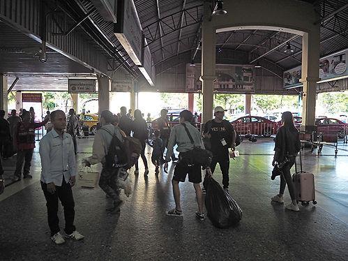 bangkoktrain1.jpg