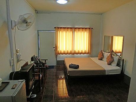 タイ,ホテル,ゲストハウス,観光,予約,部屋,シャワー,エアコン,写真,hotel,thailand,accommodation,โรงแรม,ที่พัก,シーサケット,カンタララック