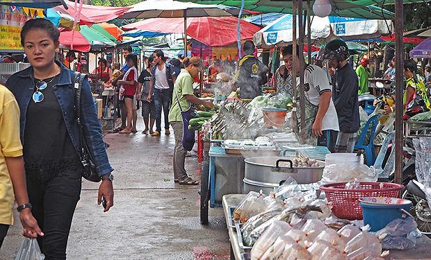 タイ,スリン,シーコーラープーム,遺跡,東北,イサーン,カンボジア,シルク,手織り,養蚕,象,伝統,文化,歴史,寺院,旅行,行き方,観光,สุรินทร์,ศีขรภูมิ,