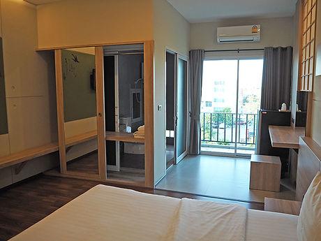 タイ,ホテル,ゲストハウス,観光,予約,部屋,シャワー,エアコン,写真,hotel,thailand,accommodation,โรงแรม,ที่พัก,ナコンラーチャシーマー,コラート