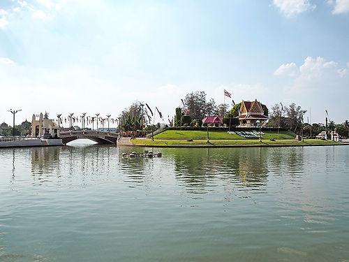 ローエイット,タイ,観光,東北地方,イサーン,ブンパウェート,101,旅行,行き方,地図,祭り,歴史,文化,伝統,ร้อยเอ็ด,บุญผะเหวด,プラーンチャイ