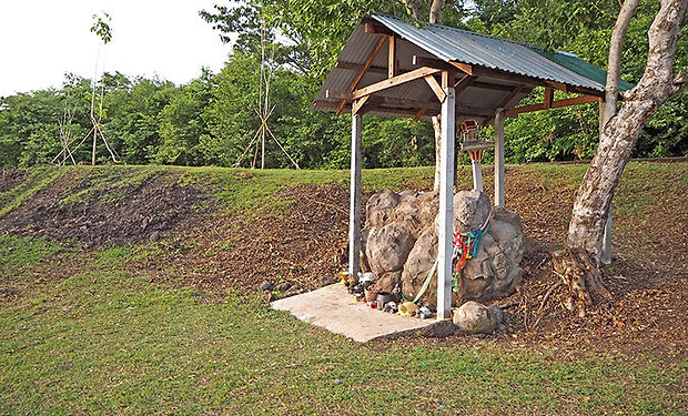 ターイトゥンルアン,スリン,シルク,サワーイ,伝統,文化,カンボジア,歴史,観光,地図,วนอุทยานพนมสวาย,พระพุทธสุรินทรมงคล,นาบัว,ตลาดไหมใต้ถุนเรือน,สวาย,สุรินทร์ ,ผ้าไหม,カメの岩,伝説