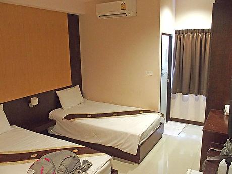タイ,ホテル,ゲストハウス,観光,予約,部屋,シャワー,エアコン,写真,hotel,thailand,accommodation,โรงแรม,ที่พัก,ナコンパノム,タートパノム
