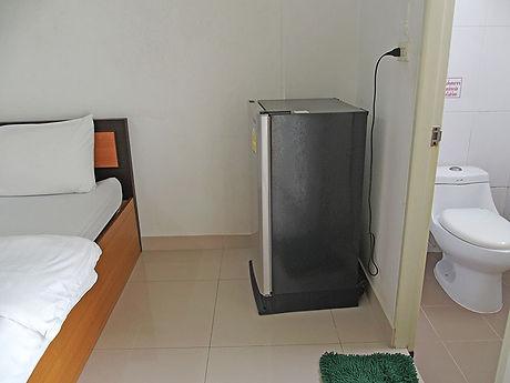 タイ,ホテル,ゲストハウス,観光,予約,部屋,シャワー,エアコン,写真,hotel,thailand,accommodation,โรงแรม,ที่พัก,サラブリー