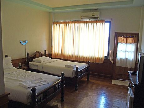 タイ,ホテル,ゲストハウス,観光,予約,部屋,シャワー,エアコン,写真,hotel,thailand,accommodation,โรงแรม,ที่พัก,チェンラーイ