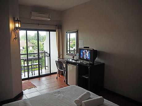 タイ,ホテル,ゲストハウス,観光,予約,部屋,シャワー,エアコン,写真,hotel,thailand,accommodation,โรงแรม,ที่พัก,ランプーン
