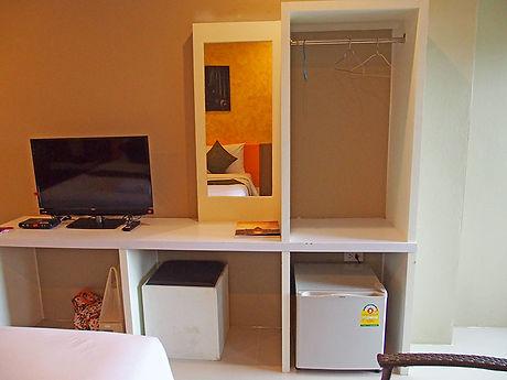 タイ,ホテル,ゲストハウス,観光,予約,部屋,シャワー,エアコン,写真,hotel,thailand,accommodation,โรงแรม,ที่พัก,ブリラム