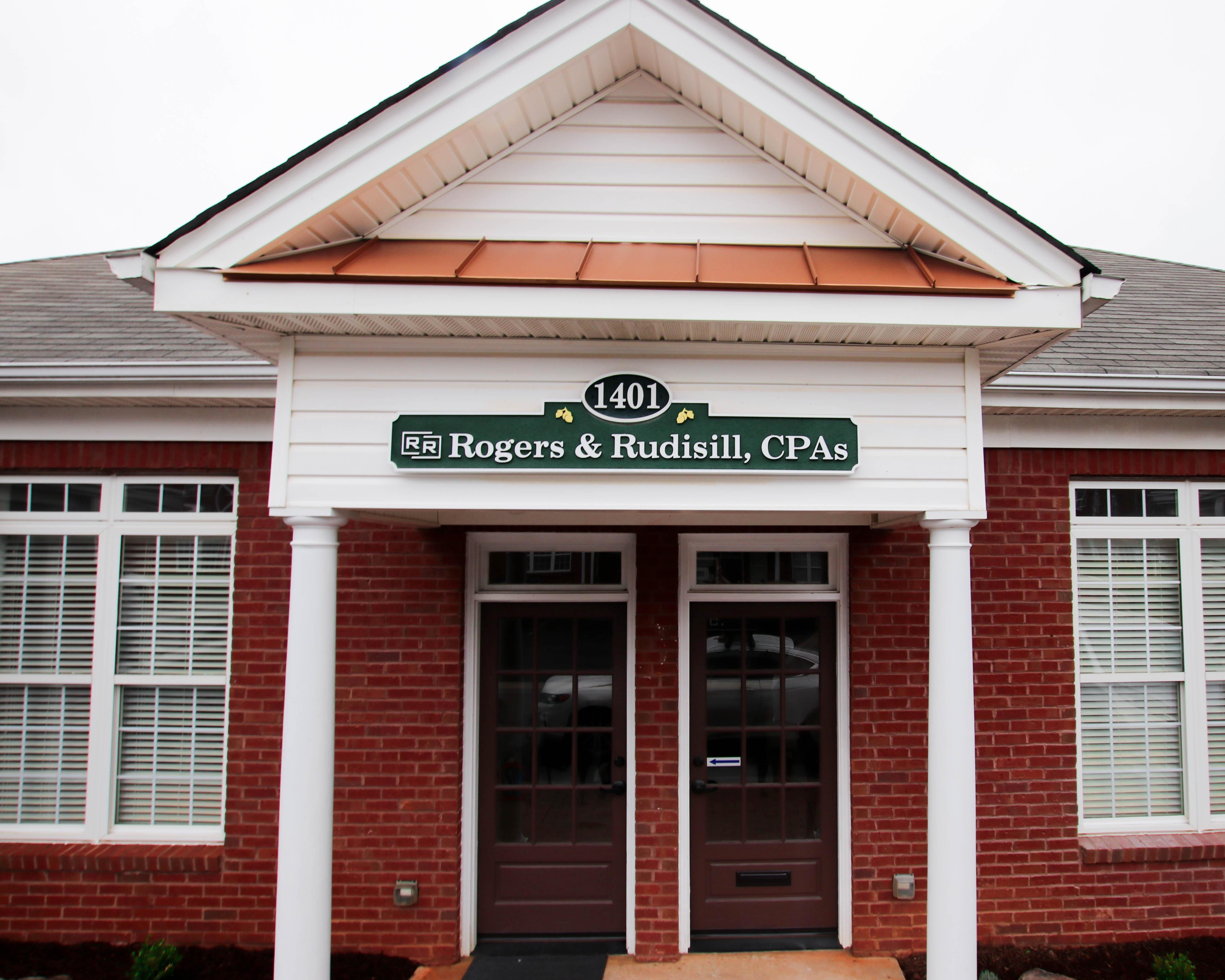Ken Rogers & Robin Rudisill building
