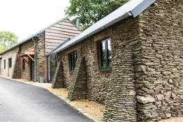 Ware Construction used local stonemasons for this project, to provide an unrivalled quality of work.